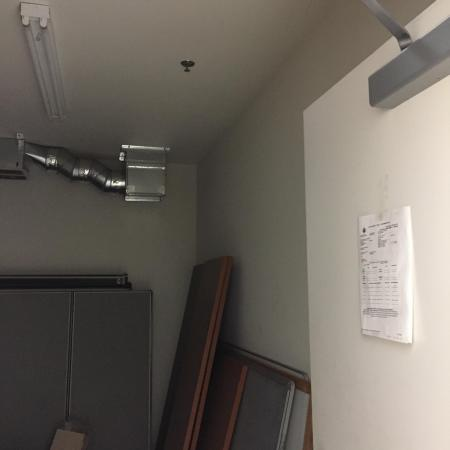 Tenant Lobby Waiting Area & Conference Room